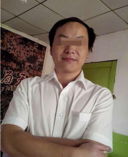 武汉一官员遭情妇发裸照举报 女子称无半点P