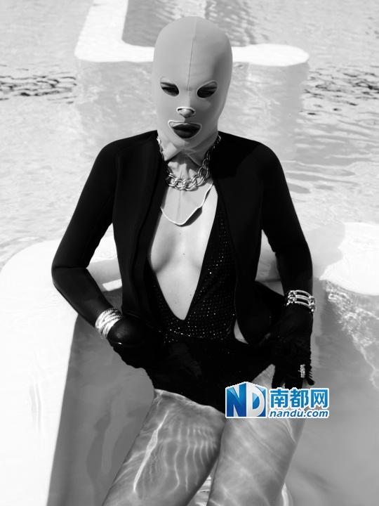 """中国大妈又立功:""""脸基尼""""杀入西方时尚圈(图)"""