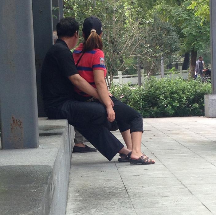 宁波现色情服务 中年妇女招揽老年人 社会万