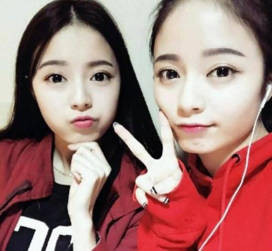 复旦大学双胞胎姐妹花的照片在网上热传,她们不仅长相甜美,清纯可爱