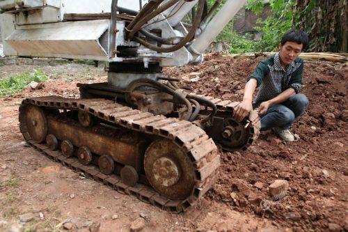自制小挖机的原理_自制60小挖机快接