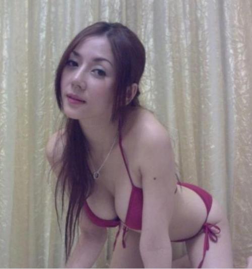 42岁少妇网络大晒火辣照 被称为美魔女 法