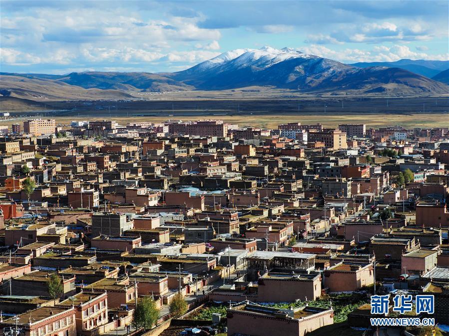 (图文互动)(1)文旅产业在青藏高原古城兴起