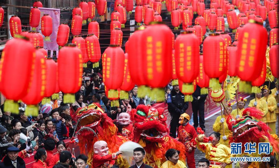 """(社会)(3)四川上里古镇:喜庆""""年猪节"""""""