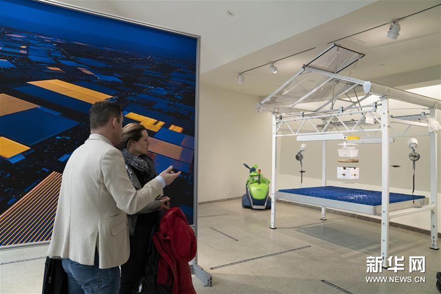 """(国际)(6)纽约古根海姆博物馆举行""""乡村,未来""""展览"""