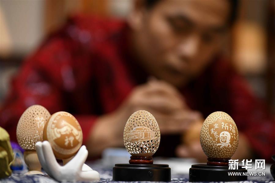 #(社会)(1)精美的蛋雕艺术