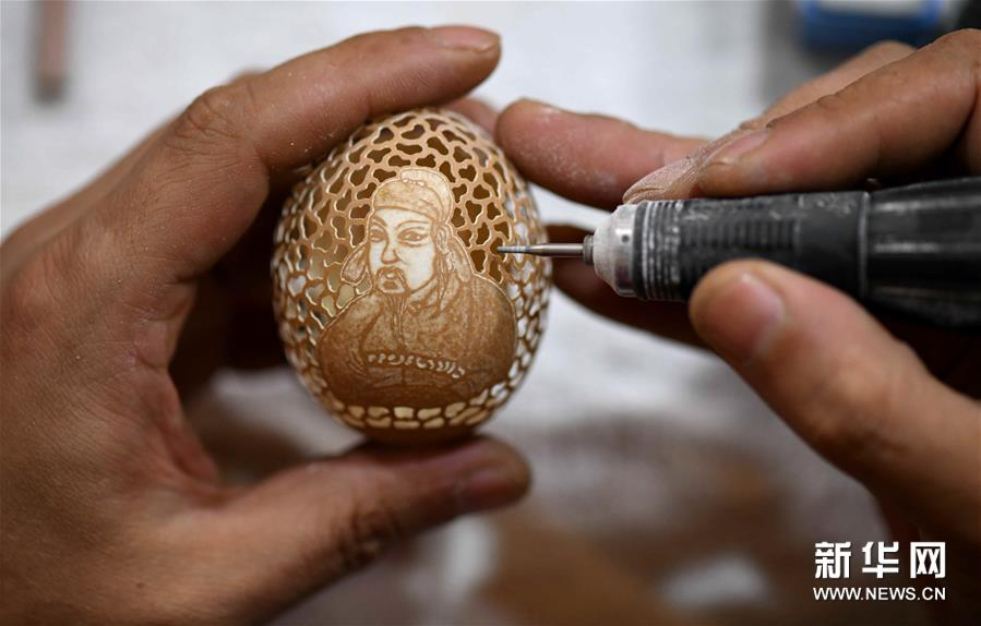 #(社会)(2)精美的蛋雕艺术