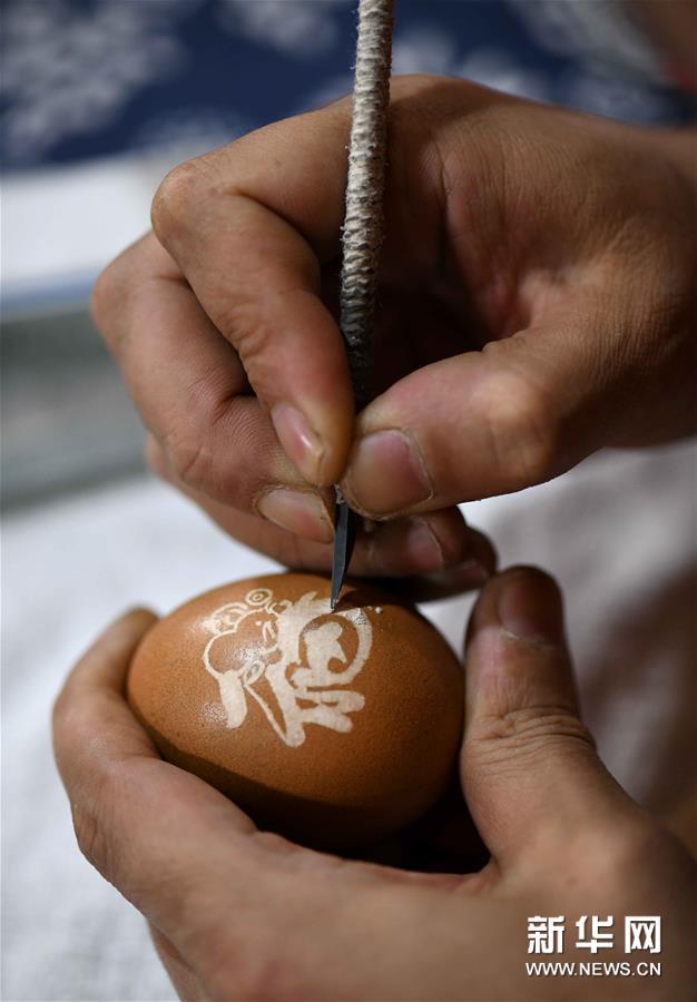 #(社会)(5)精美的蛋雕艺术