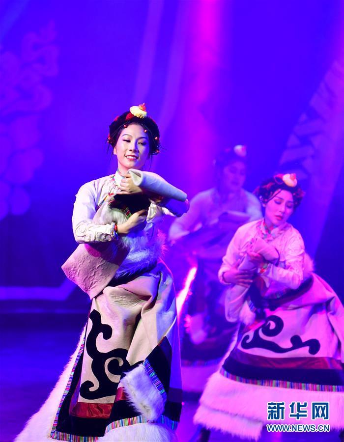 (文化)(6)藏族传统歌舞乐《金顶梵音-拉卜楞》恢复公演