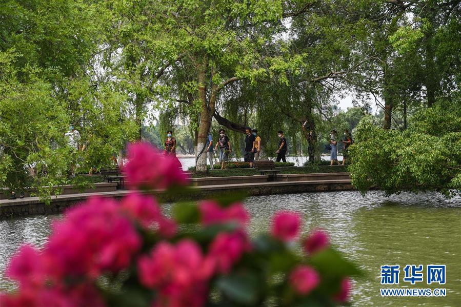 (社会)(8)嘉兴南湖景区免费开放