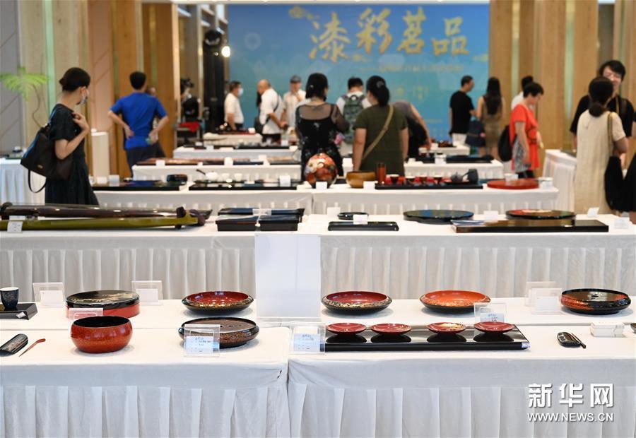 (文化)(1)福州举办大漆茶器展