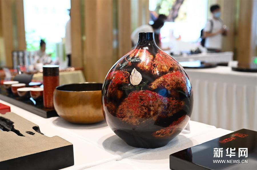 (文化)(4)福州举办大漆茶器展