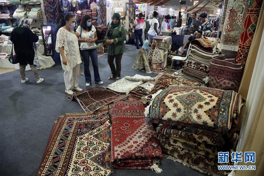 (国际)(3)埃及举办传统手工艺品展