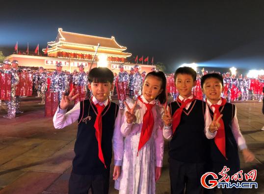 北京海淀民族小学刘庆泽:我在天安门广场上为祖国放歌