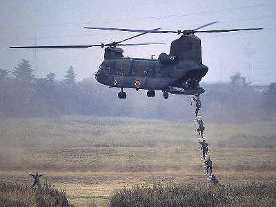 日本军事_日本发展陆海空力量 谋求军事大国地位