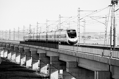 土耳其第一条高铁 资料照片-在土耳其乘高铁跨越欧亚图片 85384 400x266