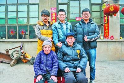 记录抗战老兵的荣光——90后大学生黄忞的执着追求