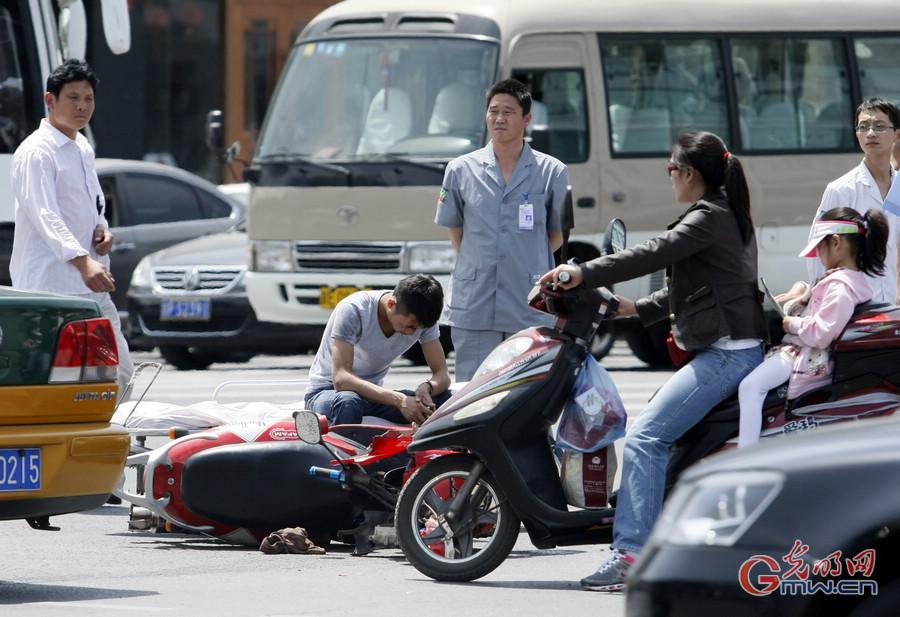 车祸漂亮女尸_重庆客车燃烧事故系人为故意纵火