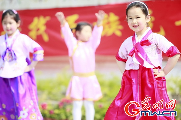 北京东城区大方家回民幼儿园举行庆六一亲子活动