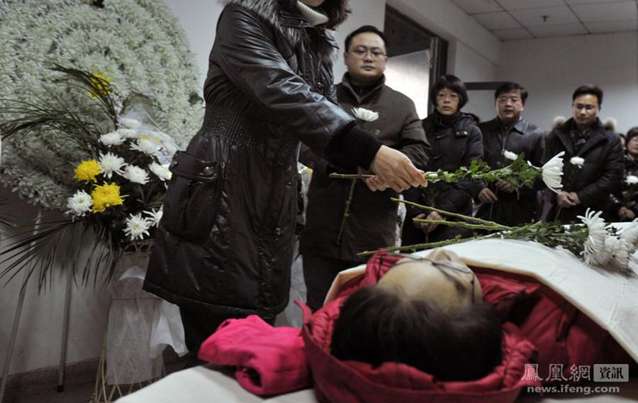南京医科大病亡女生捐遗体给母校做科研高清