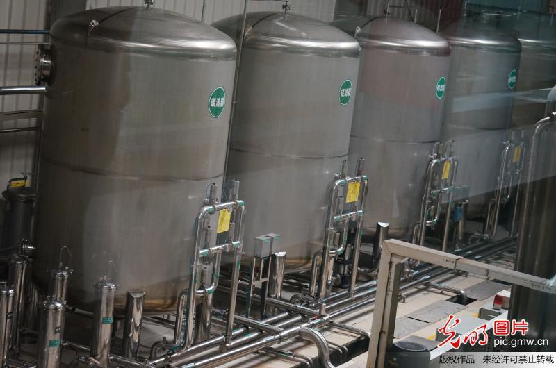 农夫山泉千岛湖厂的水过滤车间