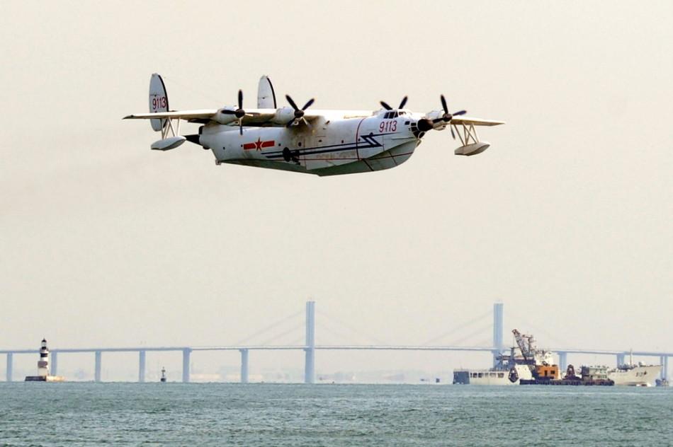 """""""水轰5""""水上飞机(资料图)。据新华网消息,5月30日10时许,北海舰队一架水上飞机,在青岛胶州湾海域进行飞行训练时失事坠海,没有造成其他附带损害。"""