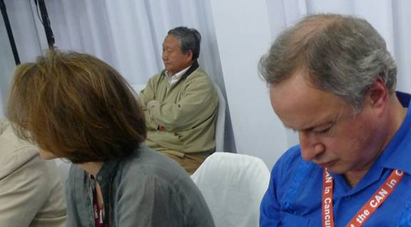 忧思科学家联盟代表问完问题后,自己也放松下来。