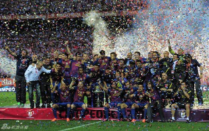 巴萨庆祝国王杯夺冠(1)