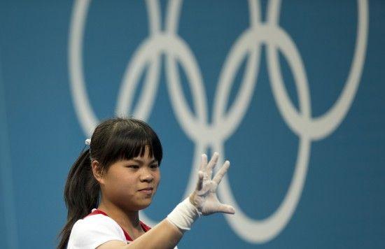 哈萨克斯坦举重奥运冠军祖尔菲娅﹐中文名赵常玲.新华社记者费茂华图片