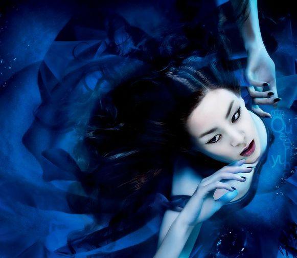 金妍儿复出宣传照 吸血鬼 造型红唇烈焰 体育