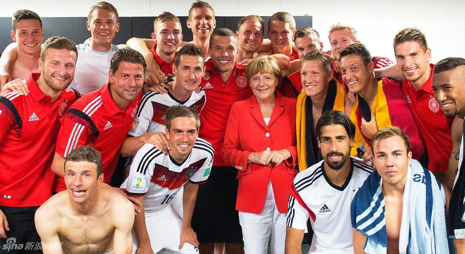 德国更衣室慰问德国队 要点新闻