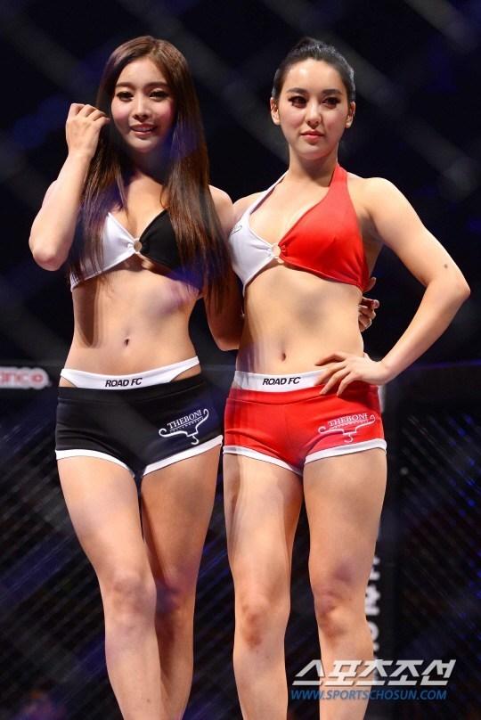 韩国综合格斗:美女拳手激战 举牌女郎抢镜