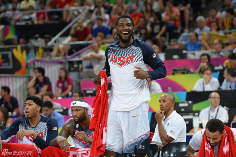 法里埃德开心地笑了 男篮世界杯首场半决赛胜