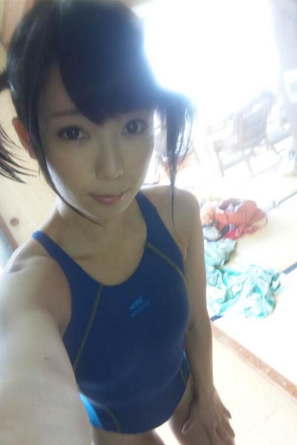 日本美女自拍大赛 网友:最后一张亮了 综合