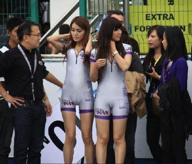 赛场上的尴尬瞬间:丫头 拍照注意表情啊