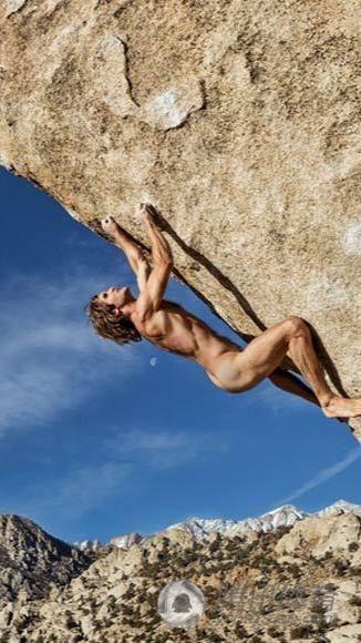 裸体攀岩风靡全美 被誉:最完美运动