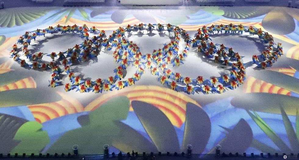 里约奥运会闭幕式 彩色五环燃亮全场(3)