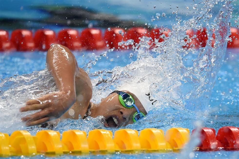 张丽获女子100米自由泳S5级冠军
